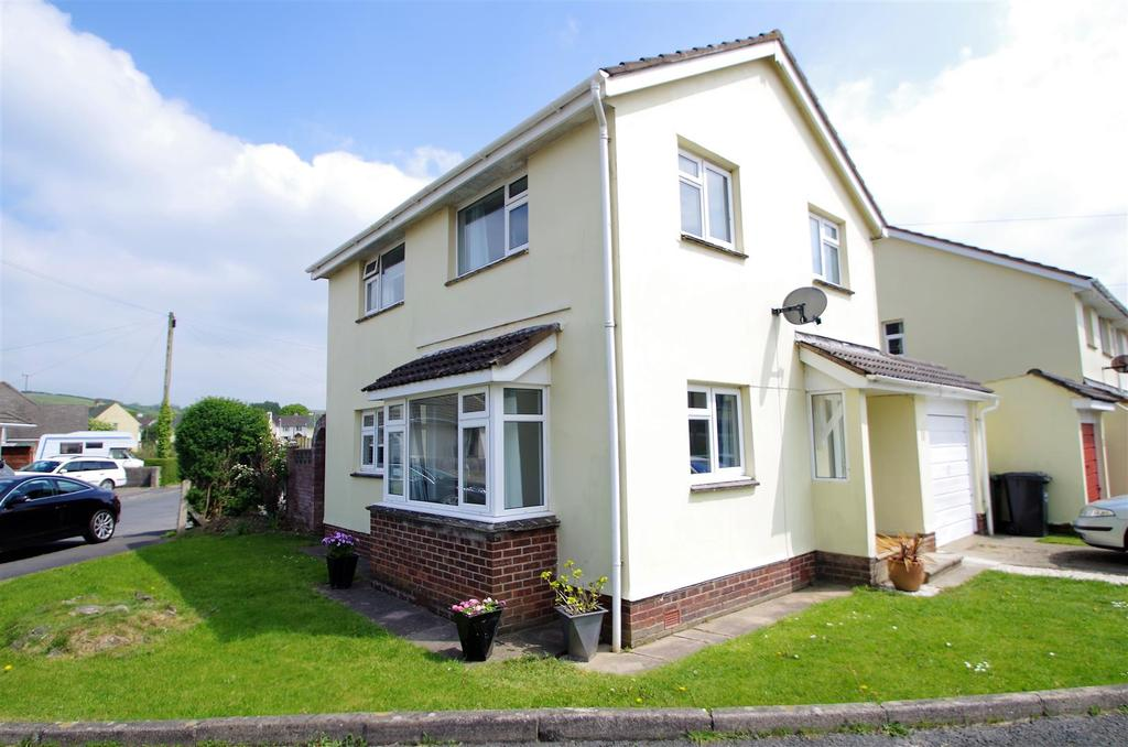 3 Bedrooms Detached House for sale in South View Close, Braunton