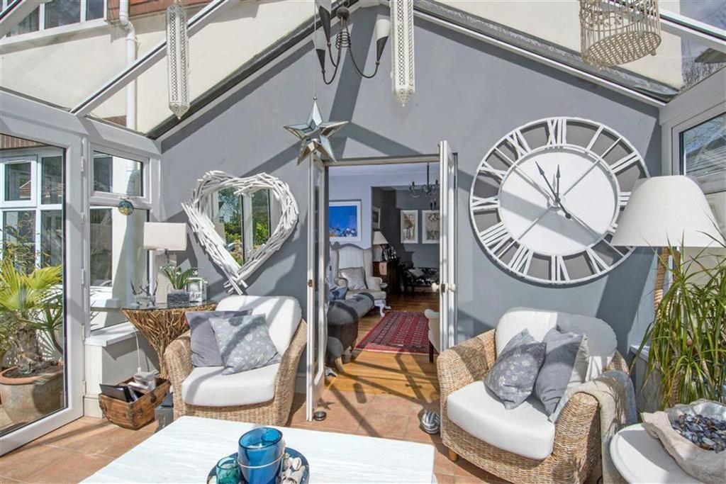 5 Bedrooms Detached House for sale in Higher Lane, Langland, Swansea