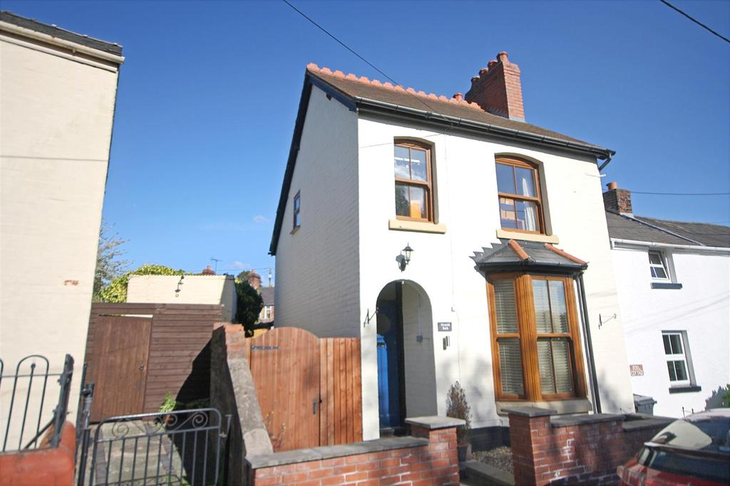 3 Bedrooms Detached House for sale in Llansantffraid