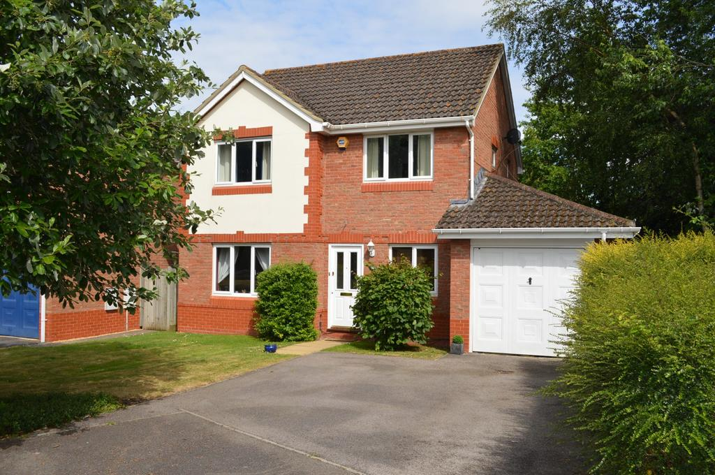 4 Bedrooms Detached House for sale in Taylor Drive, Bramley