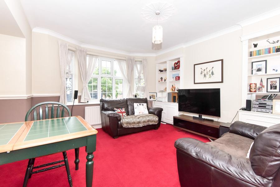 1 Bedroom Flat for sale in Popesgrove Mansions, Twickenham, TW1