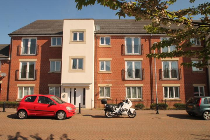 2 Bedrooms Flat for sale in Greenock Crescent, Wolverhampton, WV4