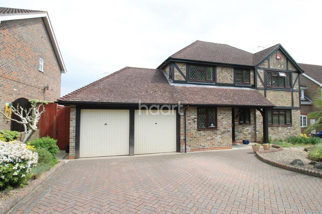 4 Bedrooms Detached House for sale in Jay Close, Horndean, Hampshire