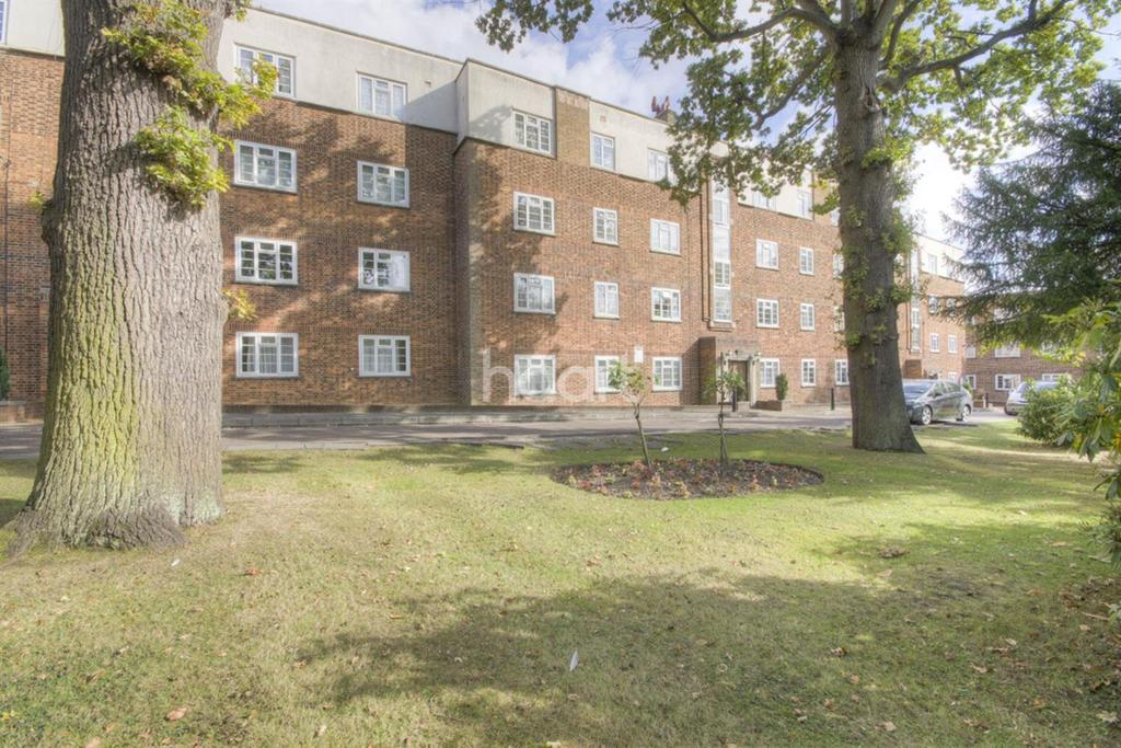 2 Bedrooms Flat for sale in Manor Court, Southgate, N14