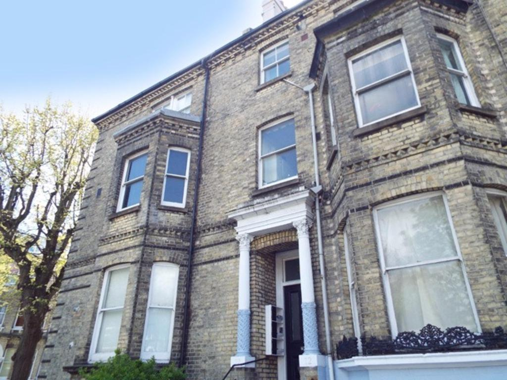 1 Bedroom Flat for sale in Eaton Road Hove East Sussex BN3
