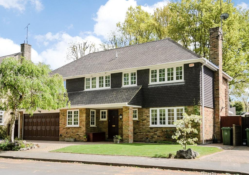 5 Bedrooms Detached House for sale in Mill Pond Road, Windlesham, Surrey