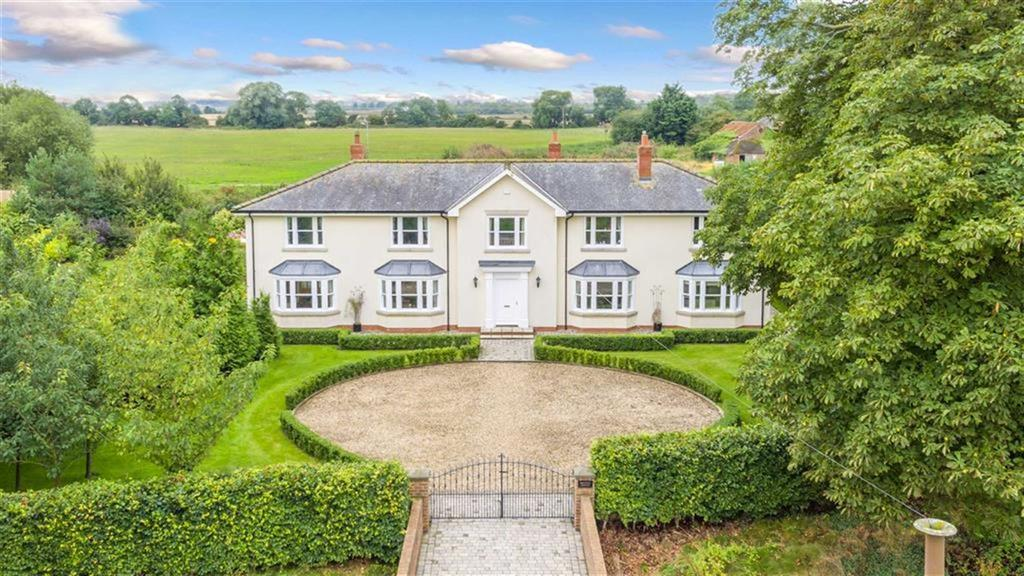 6 Bedrooms Detached House for sale in Carr Lane, Watton