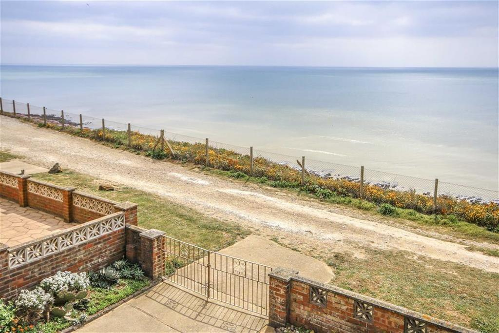 3 Bedrooms Chalet House for sale in The Promenade, Peacehaven