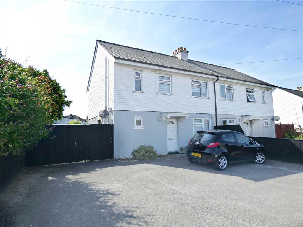 3 Bedrooms Semi Detached House for sale in AMPLE OFF ROAD PARKING AND LARGE REAR GARDEN