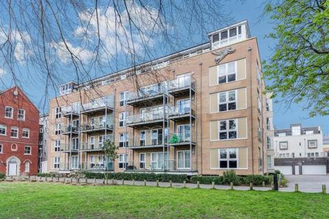2 bedroom flat to rent - BANISTER PARK - JAMES WELD CLOSE - UNFURN -