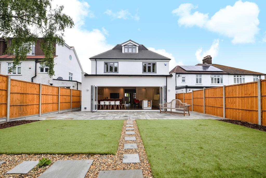 5 Bedrooms Detached House for sale in Oakfield Gardens Beckenham BR3