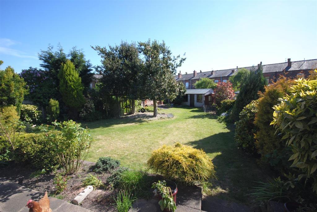 4 Bedrooms Detached Bungalow for sale in Danesway, Wigan