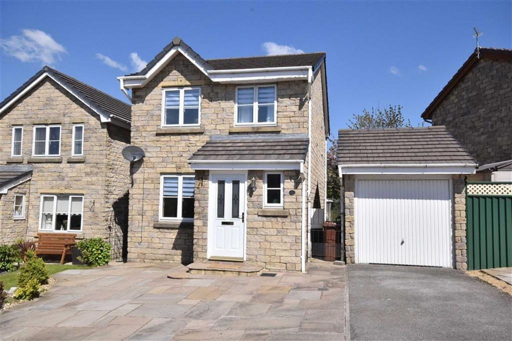 3 Bedrooms Detached House for sale in Begonia View, Lower Darwen