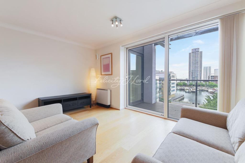 2 Bedrooms Flat for sale in Boardwalk Place, Canary Wharf,E14