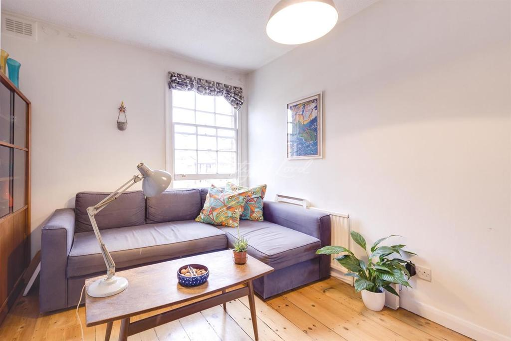 2 Bedrooms Flat for sale in Gibson Gardens, N16