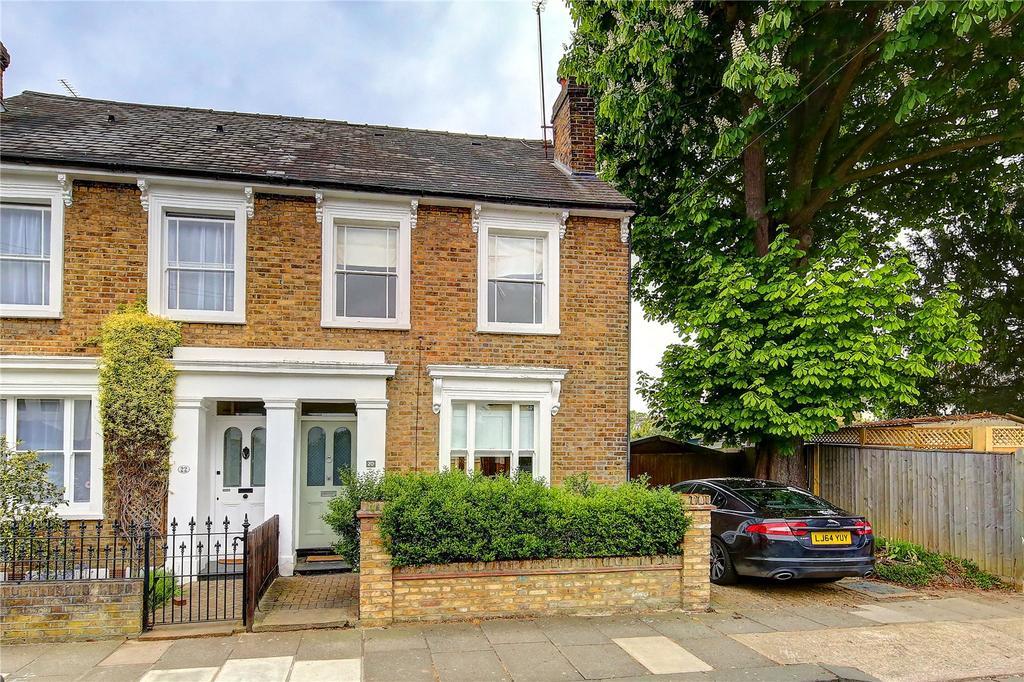 4 Bedrooms Semi Detached House for sale in Victoria Road, Teddington, TW11
