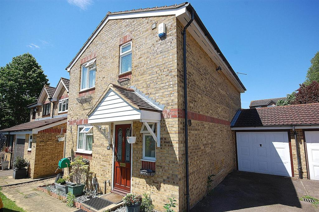 3 Bedrooms Link Detached House for sale in Peppercorn Walk, Hitchin