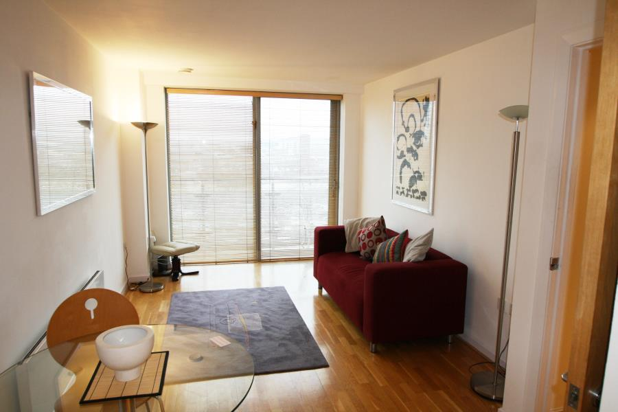 2 Bedrooms Apartment Flat for sale in WHITEHALL QUAY, LEEDS, LS1 4BW