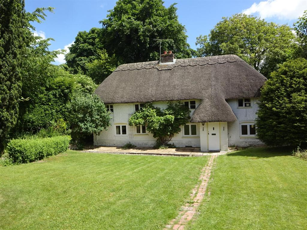 3 Bedrooms House for sale in Forest Lane, Andover