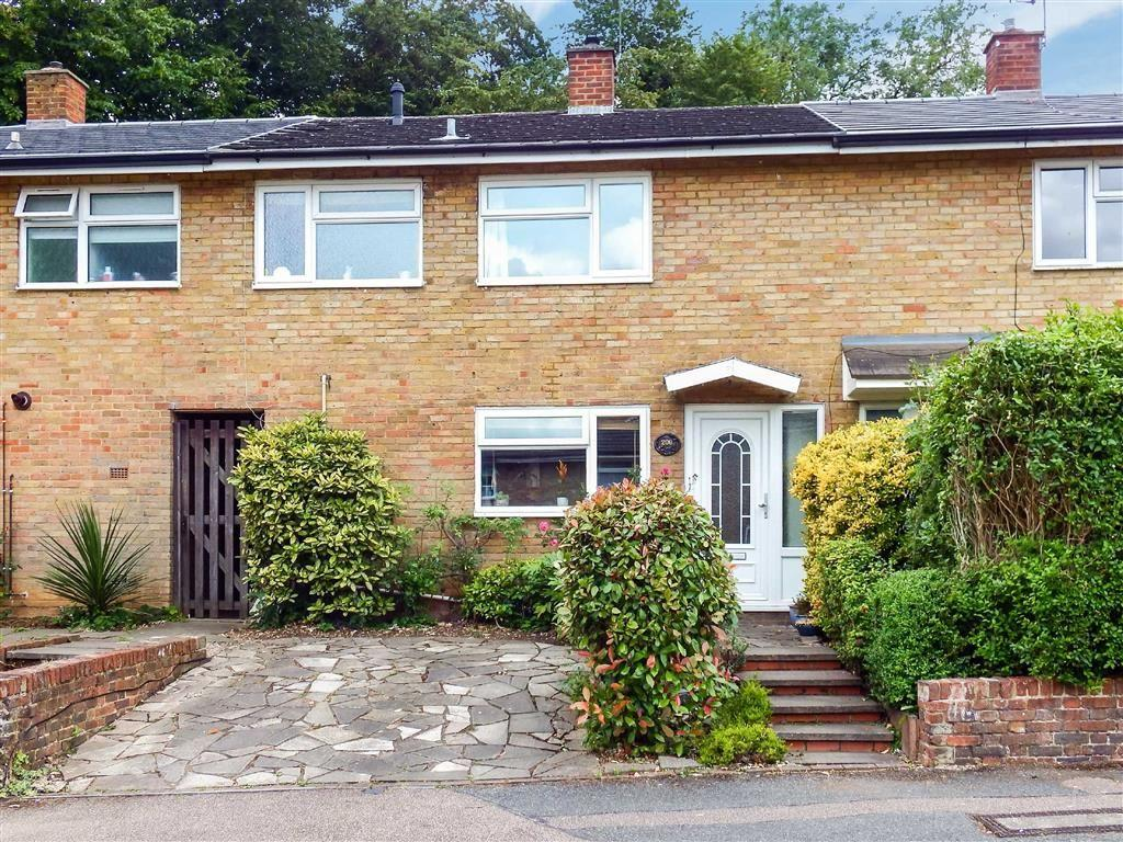 3 Bedrooms Terraced House for sale in Telford Avenue, Stevenage, Hertfordshire, SG2