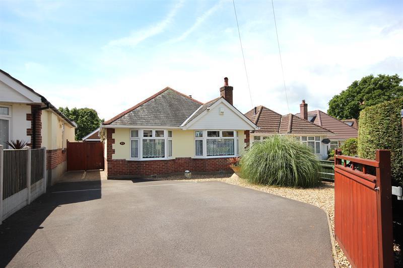 3 Bedrooms Detached Bungalow for sale in Darbys Lane, Oakdale, Poole