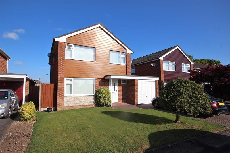 4 Bedrooms Detached House for sale in Egdon Drive, Merley, Wimborne