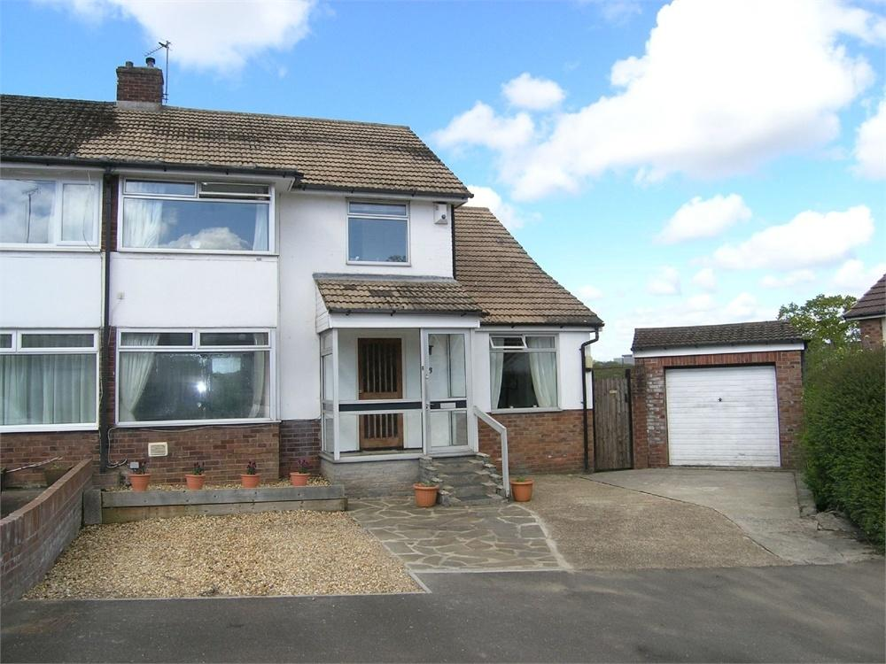 4 Bedrooms Semi Detached House for sale in Padarn Close, Lakeside, Cardiff