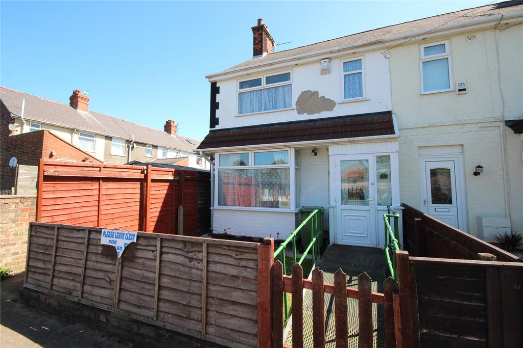 3 Bedrooms End Of Terrace House for sale in Longfield Road, Grimsby, DN34