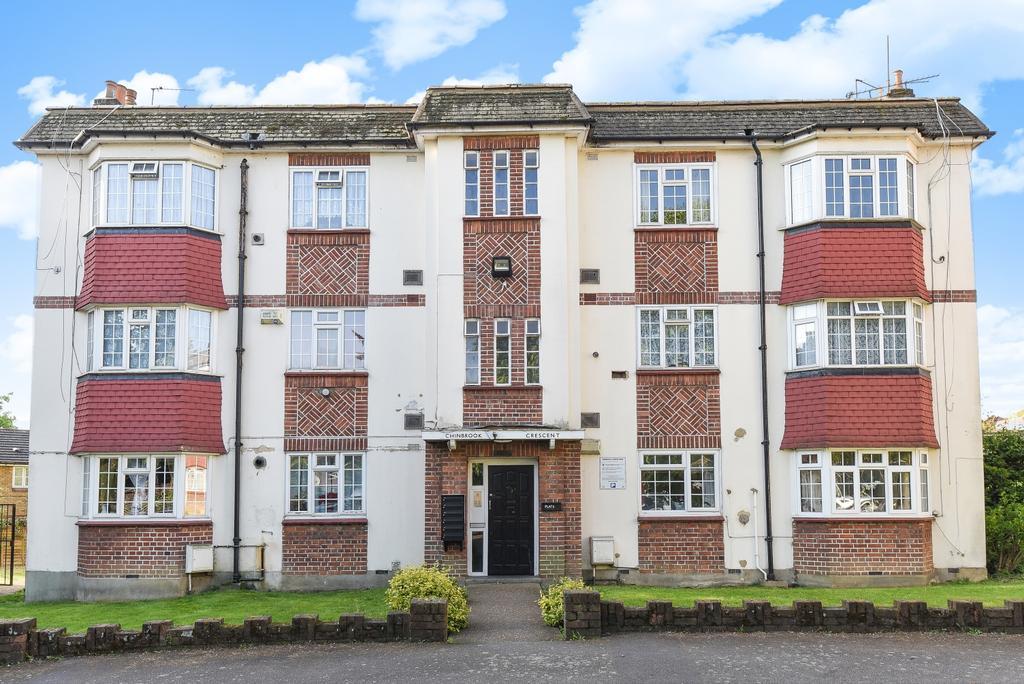 2 Bedrooms Flat for sale in Chinbrook Crescent SE12