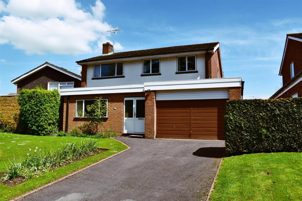 4 Bedrooms House for sale in Brook End Drive, Henley-In-Arden