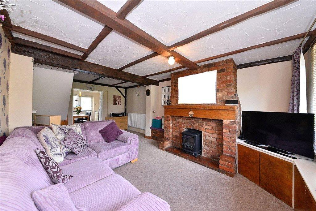2 Bedrooms Semi Detached House for sale in Castle Road, Cookley, Kidderminster, DY10