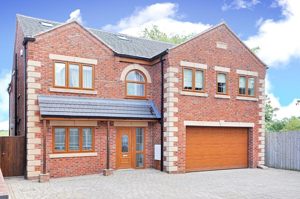 6 Bedrooms Detached House for sale in Bluebank Lane, Bolsover