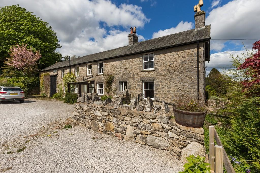 4 Bedrooms Farm House Character Property for sale in Greenhead Farm, Storth, Milnthorpe, Cumbria, LA7 7HF
