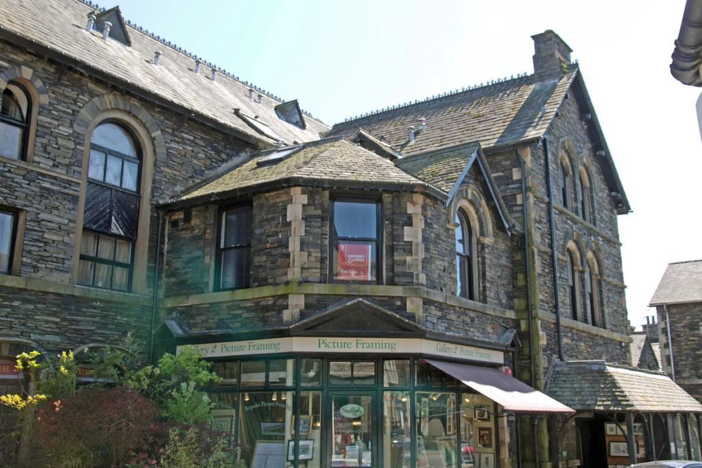 1 Bedroom Flat for sale in Flat 3 Embassy Buildings, Main Road, Windermere, Cumbria, LA23 1DY