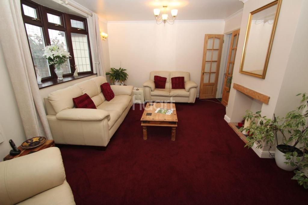 3 Bedrooms Semi Detached House for sale in Hastingwood Road, Hastingwood