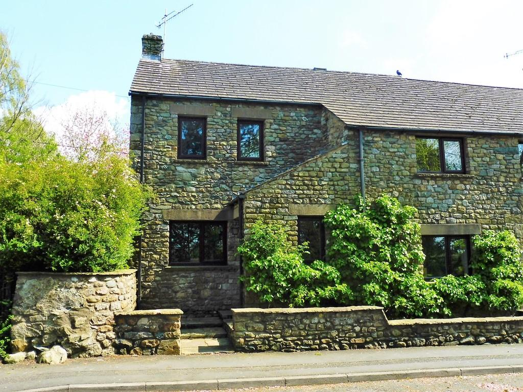 4 Bedrooms Barn Conversion Character Property for sale in Crofts Barn, Main Street, Ingleton