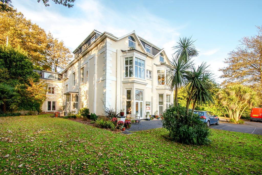 1 Bedroom Ground Flat for sale in Maxstoke Court   Middle Warberry Road   Torquay