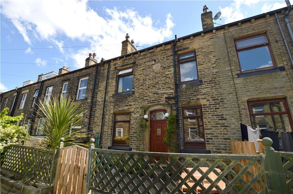 Yorkshire Terrace: Hutton Terrace, Pudsey, Leeds, West Yorkshire 2 Bed