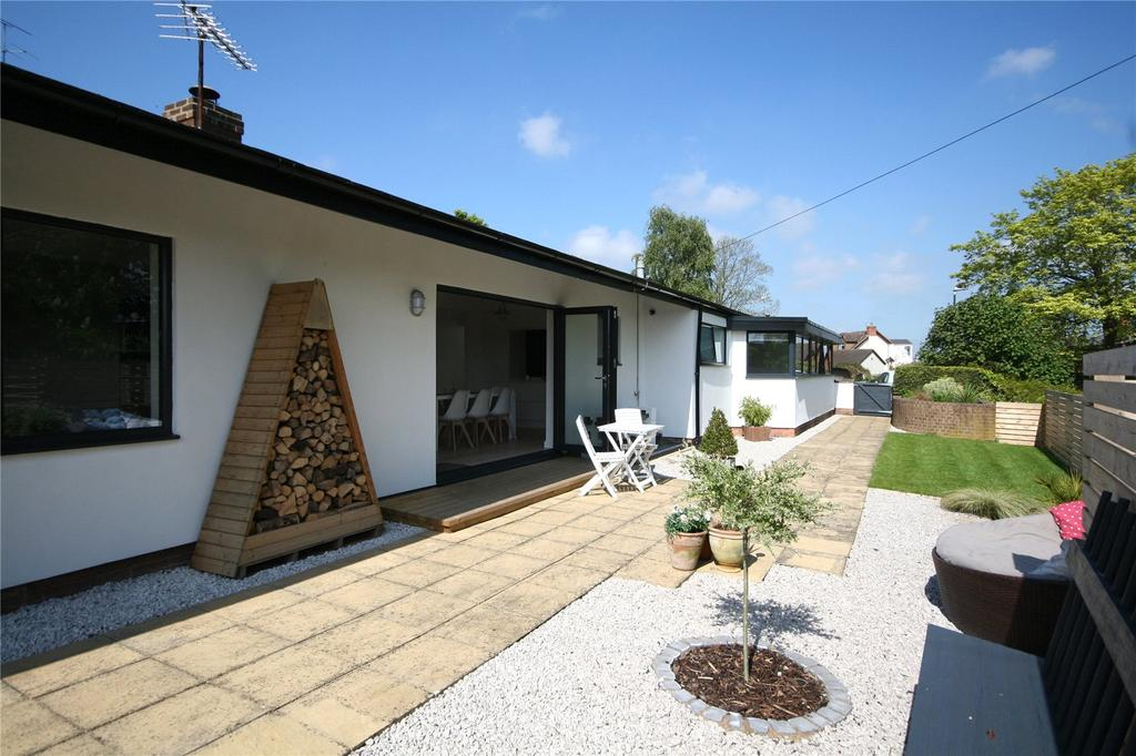 4 Bedrooms Detached Bungalow for sale in Criftycraft Lane, Churchdown Village, GL3