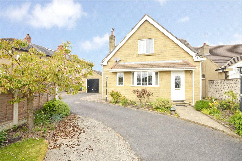 3 Bedrooms Detached House for sale in Ings Crescent, Guiseley, Leeds, West Yorkshire