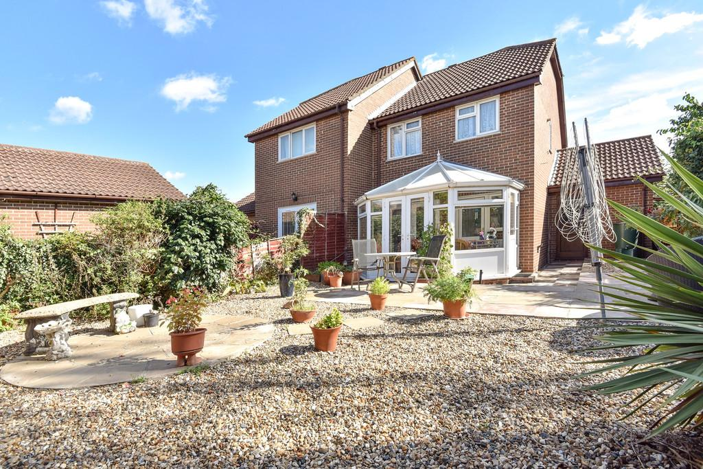 3 Bedrooms Semi Detached House for sale in Willowside, Snodland