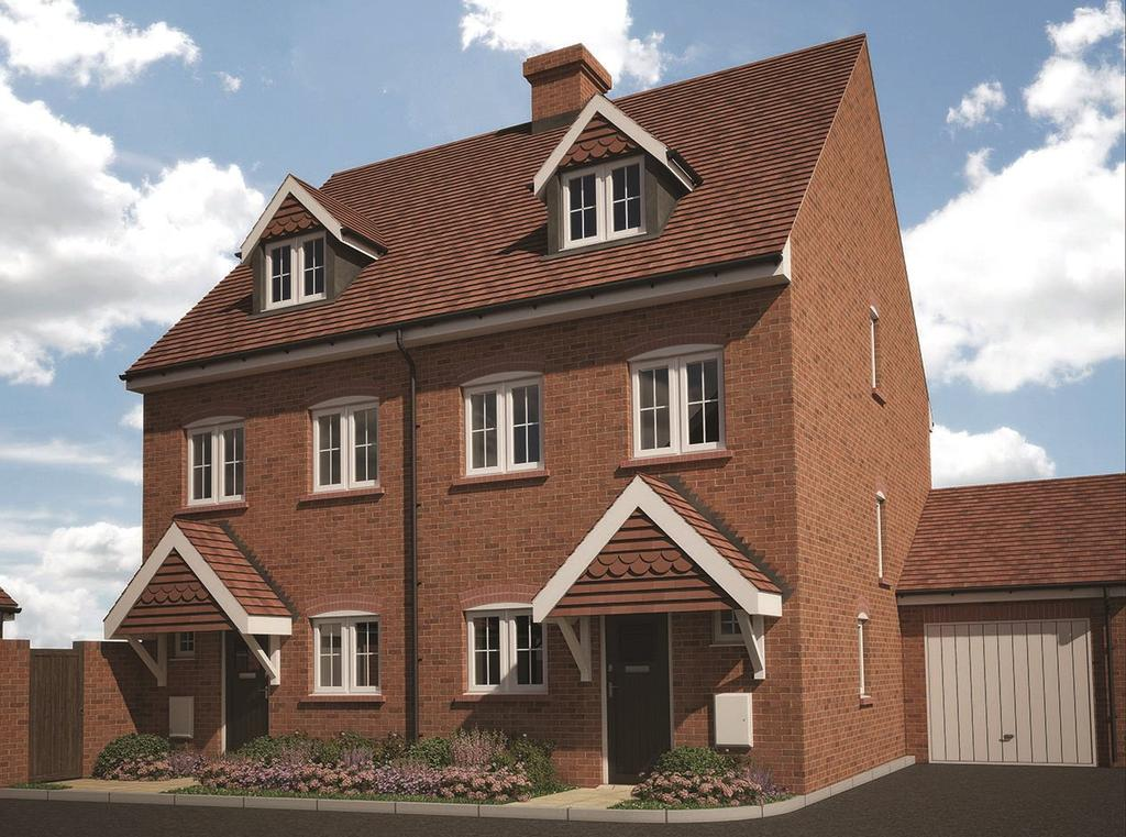 3 Bedrooms Semi Detached House for sale in Farnham Road, Odiham, Hook, Hampshire