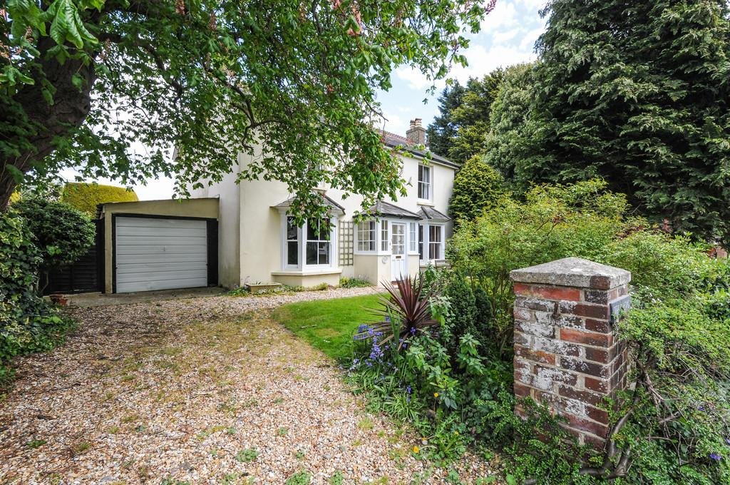3 Bedrooms Detached House for sale in Mill Lane, Sidlesham