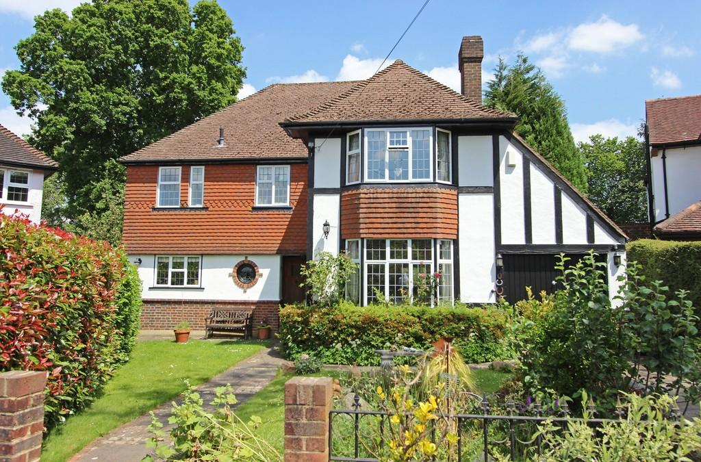 4 Bedrooms Detached House for sale in Highwold, Chipstead