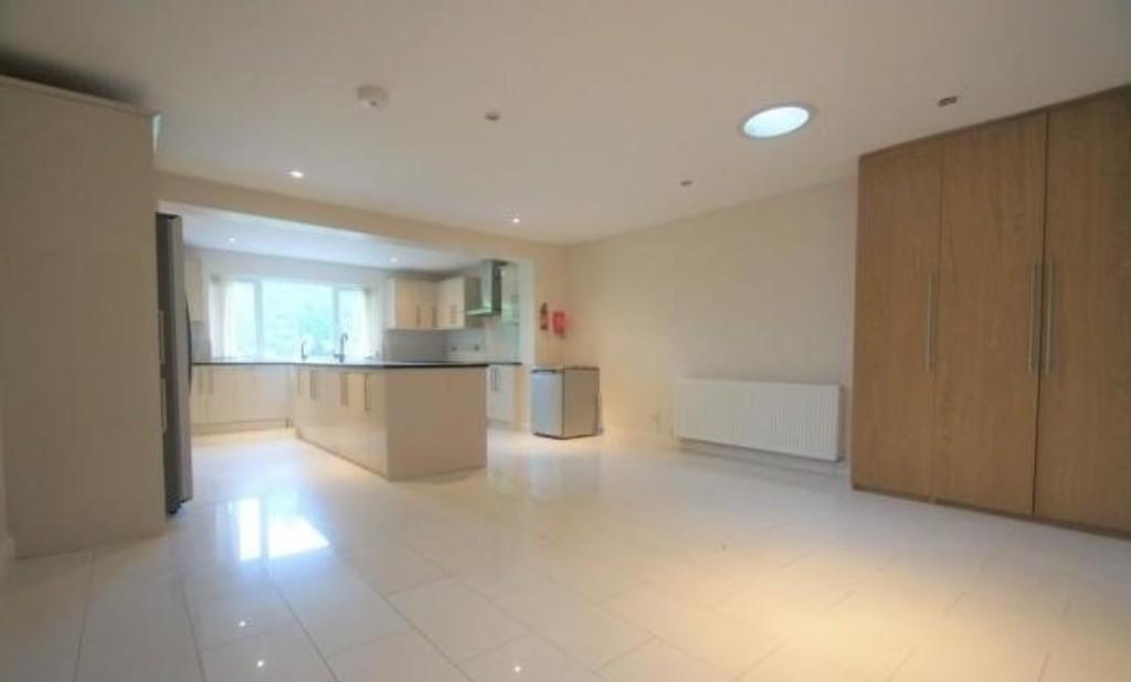 6 Bedrooms Detached Bungalow for sale in Hollow Lane, Colton