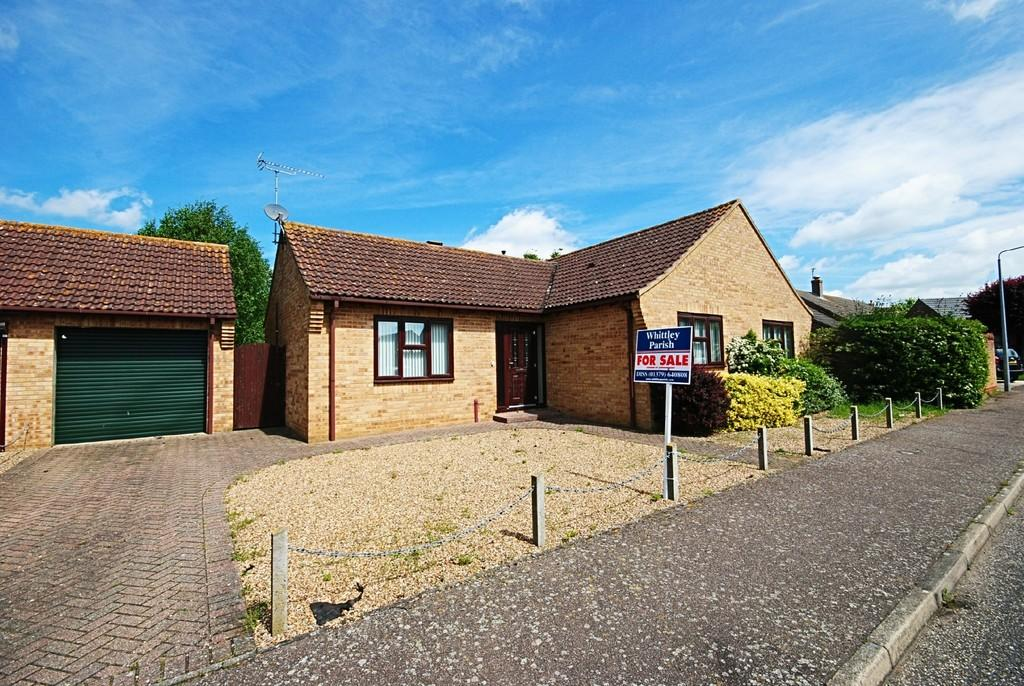 3 Bedrooms Detached Bungalow for sale in Brewsters, East Harling