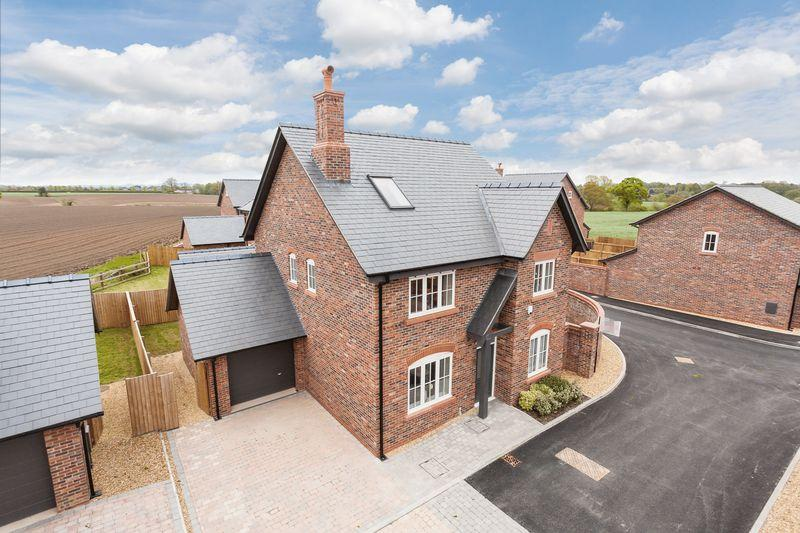 5 Bedrooms Detached House for sale in Knutsford Road, Cranage