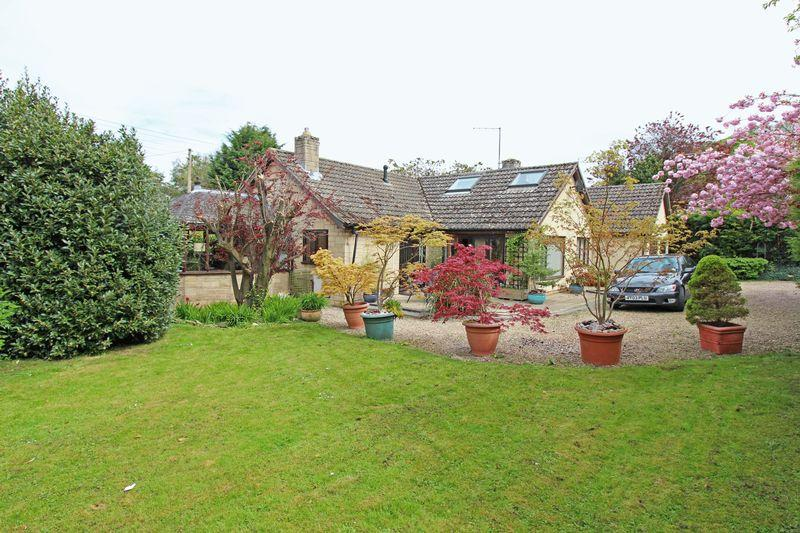 3 Bedrooms Detached Bungalow for sale in Church Lane, Edith Weston