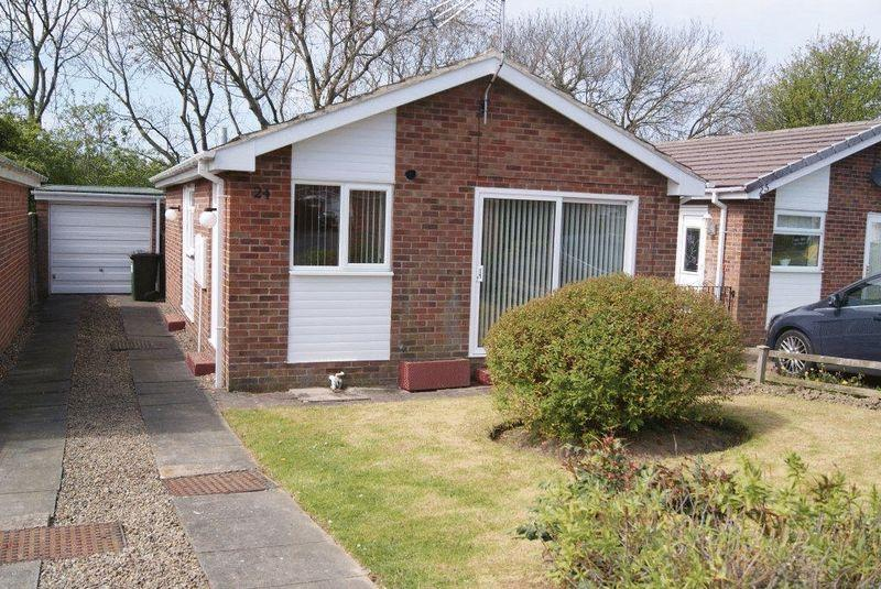 2 Bedrooms Detached Bungalow for sale in The Paddock, Killingworth, Newcastle Upon Tyne