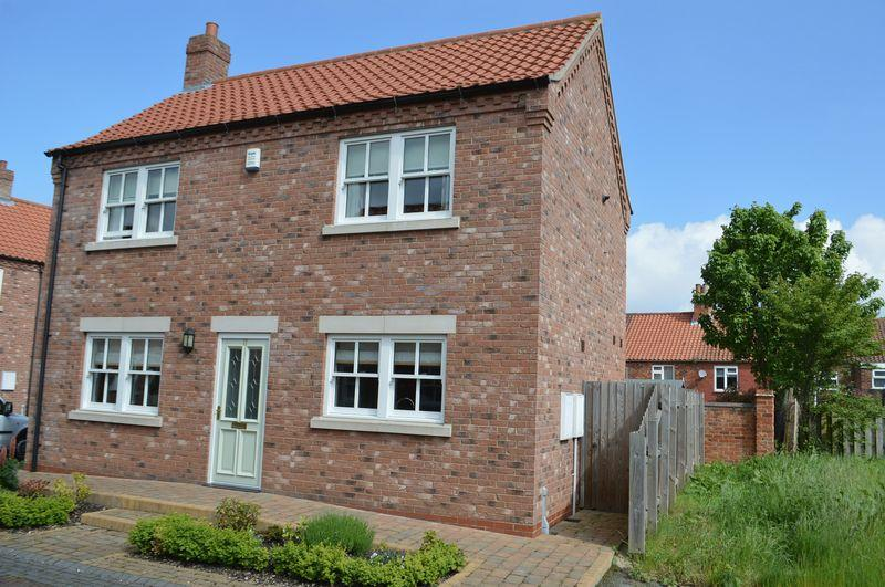 3 Bedrooms Detached House for sale in Cottingham Court, Barton-Upon-Humber